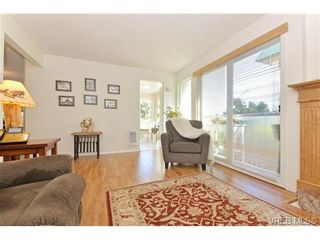 Photo 4: 204 1801 Fern St in VICTORIA: Vi Jubilee Condo for sale (Victoria)  : MLS®# 740827