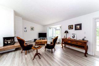 "Photo 2: 40272 SKYLINE Drive in Squamish: Garibaldi Highlands House for sale in ""Garibladi Highlands"" : MLS®# R2298905"