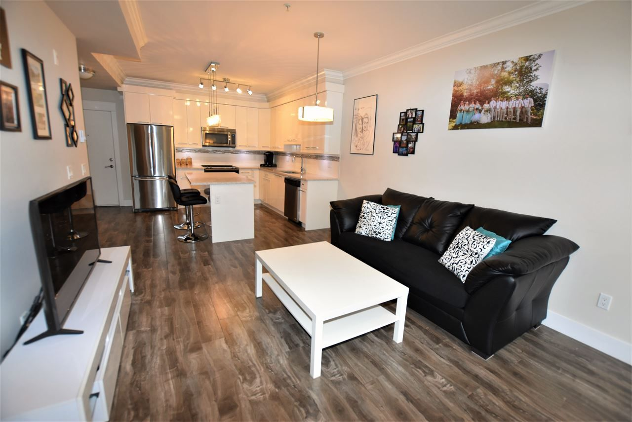 """Photo 16: Photos: 404 19228 64 Avenue in Surrey: Clayton Condo for sale in """"Focal Point"""" (Cloverdale)  : MLS®# R2535709"""