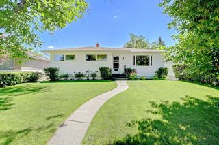 Photo 2: 108 Langton Drive SW in Calgary: North Glenmore Park Detached for sale : MLS®# A1009701