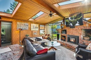 Photo 15: 2548 Wesley Pl in : Vi Oaklands House for sale (Victoria)  : MLS®# 866371