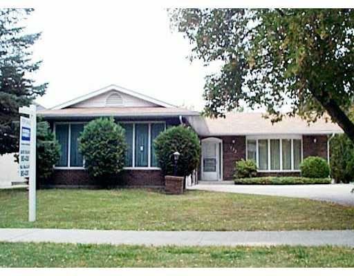 Main Photo: 232 THOMPSON Drive in WINNIPEG: St James Residential for sale (West Winnipeg)  : MLS®# 2113280