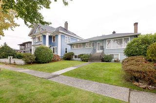 Photo 34: 3825 DUNDAS Street in Burnaby: Vancouver Heights House for sale (Burnaby North)  : MLS®# R2517776