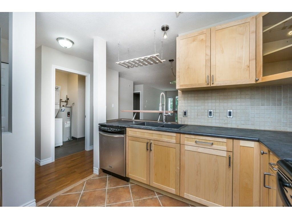 """Photo 6: Photos: 302 33839 MARSHALL Road in Abbotsford: Central Abbotsford Condo for sale in """"Cityscape"""" : MLS®# R2106369"""