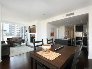 Photo 3: N902 707 Courtney St in : Vi Downtown Condo for sale (Victoria)  : MLS®# 866480