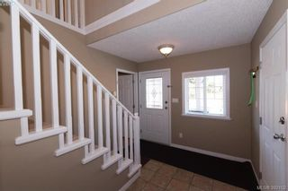 Photo 3: 459 Avery Crt in VICTORIA: La Thetis Heights House for sale (Langford)  : MLS®# 788269