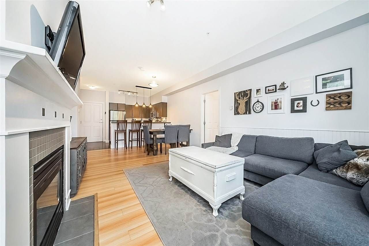 """Main Photo: 209 2478 SHAUGHNESSY Street in Port Coquitlam: Central Pt Coquitlam Condo for sale in """"SHAUGHNESSY EAST"""" : MLS®# R2293849"""