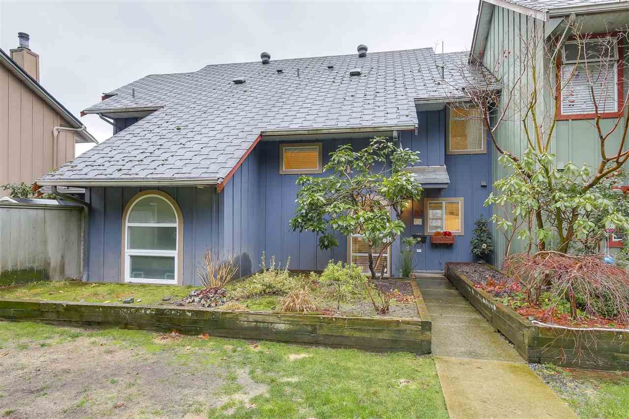 Main Photo: 31 900 W 17TH STREET in North Vancouver: Hamilton Townhouse for sale : MLS®# R2231525