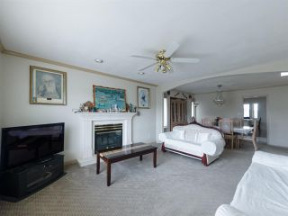 Photo 3: 12924 87A Avenue in Surrey: Queen Mary Park Surrey House for sale : MLS®# R2541513