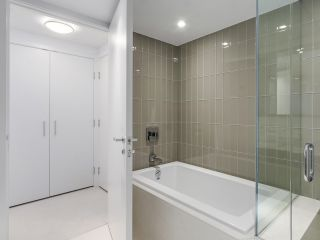 """Photo 13: 4005 1028 BARCLAY Street in Vancouver: West End VW Condo for sale in """"PATINA"""" (Vancouver West)  : MLS®# R2147918"""
