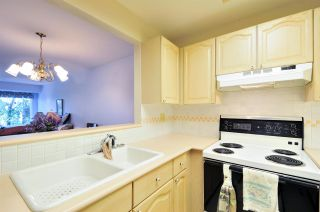 "Photo 4: 314 6707 SOUTHPOINT Drive in Burnaby: South Slope Condo for sale in ""MISSION WOODS"" (Burnaby South)  : MLS®# R2201972"