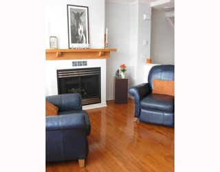 """Photo 2: 6791 VILLAGE Grove in Burnaby: VBSHG Townhouse for sale in """"MONTEREY"""" (Burnaby South)  : MLS®# V702457"""