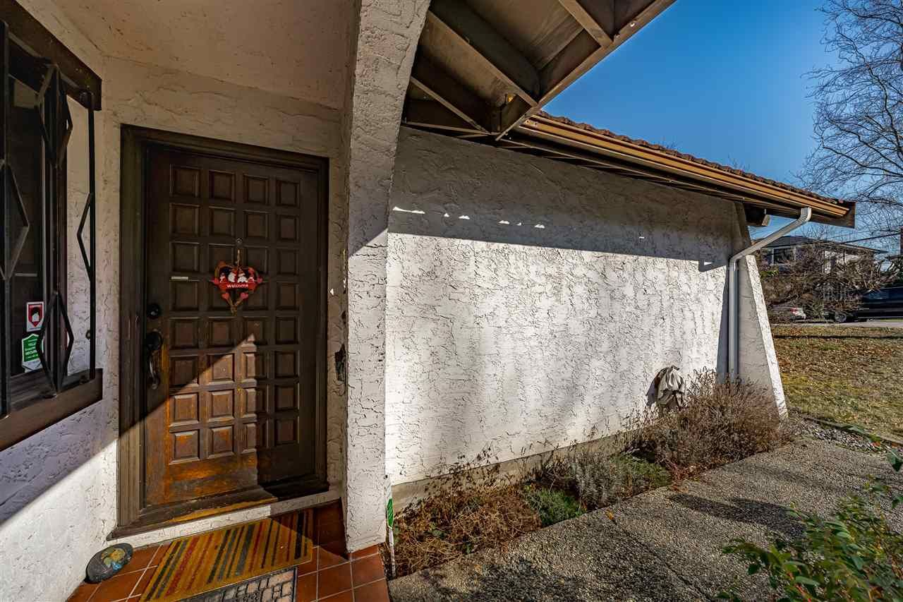 Photo 3: Photos: 6131 BRANTFORD Avenue in Burnaby: Upper Deer Lake House for sale (Burnaby South)  : MLS®# R2551835