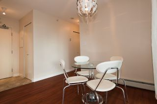 """Photo 8: 509 1018 CAMBIE Street in Vancouver: Yaletown Condo for sale in """"Marina Pointe - Waterworks"""" (Vancouver West)  : MLS®# R2122764"""