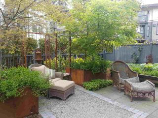 """Photo 2: 1973 W 33RD Avenue in Vancouver: Quilchena Townhouse for sale in """"MacLure Walk"""" (Vancouver West)  : MLS®# R2338091"""