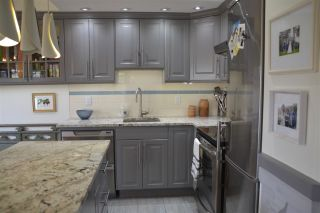 """Photo 8: 406 2409 W 43RD Avenue in Vancouver: Kerrisdale Condo for sale in """"BALSAM COURT"""" (Vancouver West)  : MLS®# R2306176"""