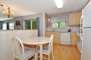 "Photo 7: 104 15220 GUILDFORD Drive in Surrey: Guildford Condo for sale in ""BOULEVARD CLUB"" (North Surrey)  : MLS®# R2271366"