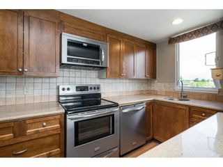 """Photo 10: 812 15111 RUSSELL Street: White Rock Condo for sale in """"PACIFIC TERRACE"""" (South Surrey White Rock)  : MLS®# R2593508"""