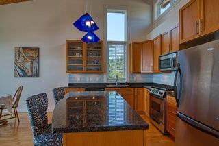 """Photo 11: 6500 WILDFLOWER Place in Sechelt: Sechelt District Townhouse for sale in """"WAKEFIELD BEACH - 2ND WAVE"""" (Sunshine Coast)  : MLS®# R2604222"""