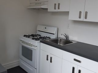 Photo 2: Upper 111 Carlaw Avenue in Toronto: South Riverdale House (Apartment) for lease (Toronto E01)  : MLS®# E5124494