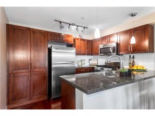 Photo 11: 652 W 6TH Avenue in Vancouver: Fairview VW Townhouse for sale (Vancouver West)  : MLS®# V1106252