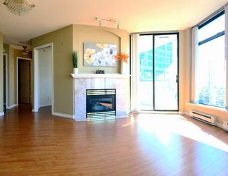 Photo 1: 1805 4505 HAZEL Street in Burnaby: Forest Glen BS Condo for sale (Burnaby South)  : MLS®# R2312554