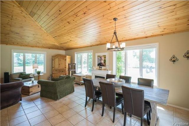 Photo 7: Photos: 28040 Hillside Road in Birds Hill: RM of Springfield Residential for sale (R04)  : MLS®# 1723179