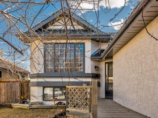 Photo 1: 76 Harvest Oak Place NE in Calgary: Harvest Hills Detached for sale : MLS®# A1090774