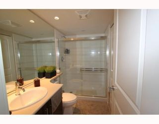 """Photo 8: 2905 2289 YUKON Crescent in Burnaby: Brentwood Park Condo for sale in """"Watercolours"""" (Burnaby North)  : MLS®# V777043"""