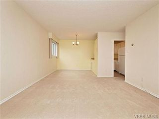 Photo 3: 308 1525 Hillside Ave in VICTORIA: Vi Oaklands Condo for sale (Victoria)  : MLS®# 707337