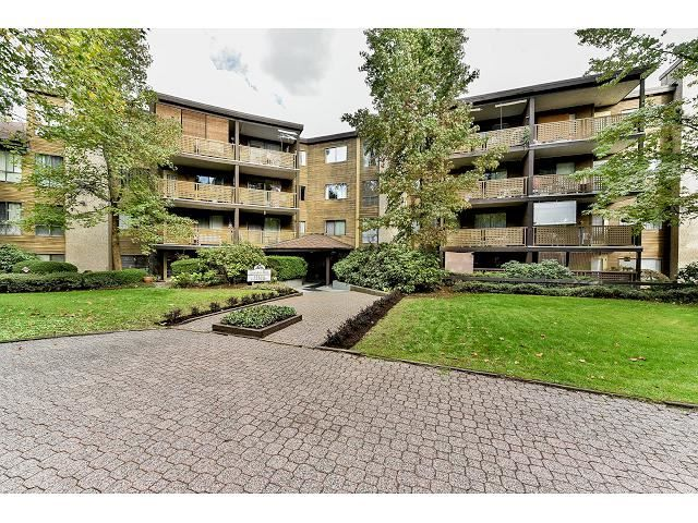 "Main Photo: 209 10644 151A Street in Surrey: Guildford Condo for sale in ""Lincoln Hill"" (North Surrey)  : MLS®# R2003304"