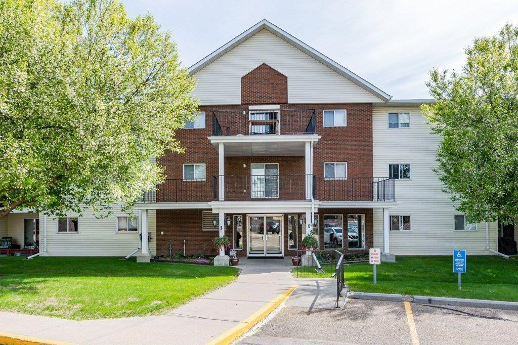 Main Photo: 311 9985 93 Avenue: Fort Saskatchewan Condo for sale : MLS®# E4245940