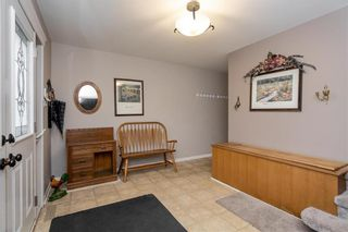 Photo 4: 8 Elaine Place in Winnipeg: Residential for sale (3F)  : MLS®# 202028167