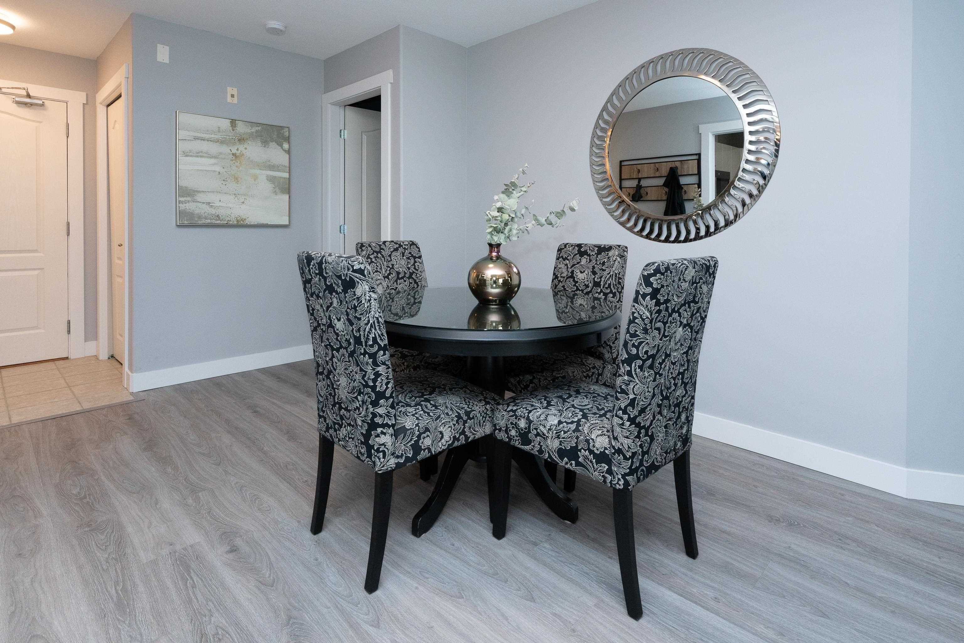 """Photo 5: Photos: 407 22022 49 Avenue in Langley: Murrayville Condo for sale in """"Murray Green"""" : MLS®# R2613823"""
