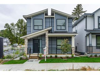 Photo 2: 7057 206 STREET in Langley: Willoughby Heights House for sale : MLS®# R2474959