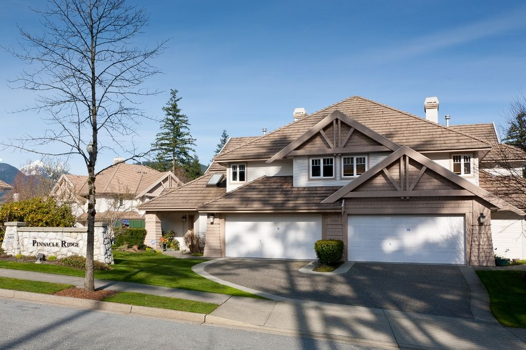 """Photo 1: Photos: 6 3405 PLATEAU Boulevard in Coquitlam: Westwood Plateau Townhouse for sale in """"PINNACLE RIDGE"""" : MLS®# V883094"""