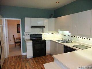 Photo 5: 6 4291 Quadra St in VICTORIA: SE Broadmead Row/Townhouse for sale (Saanich East)  : MLS®# 634035