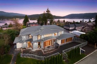 Photo 5: 790 BAYCREST Drive in North Vancouver: Dollarton House for sale : MLS®# R2530967