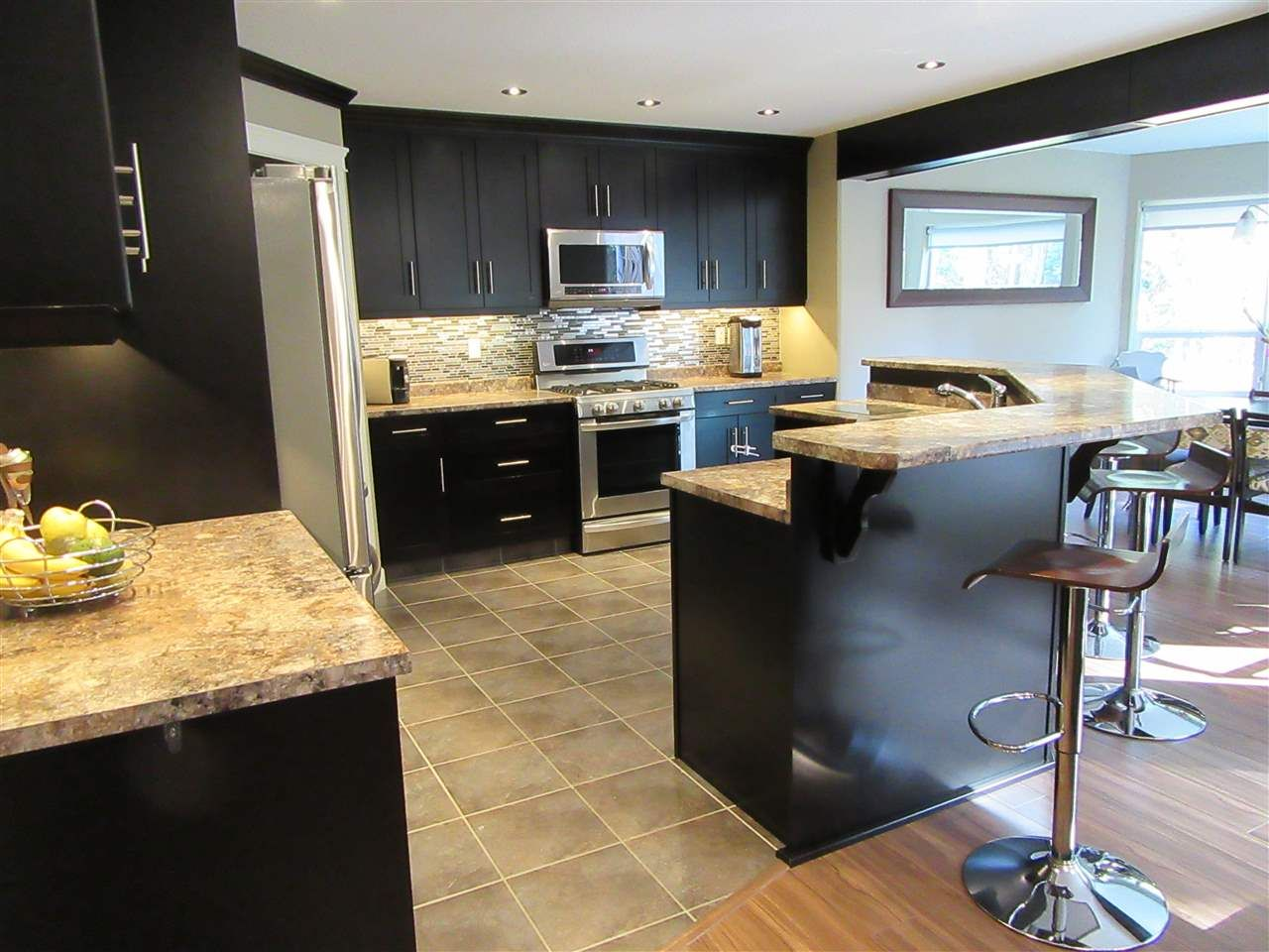 Photo 7: Photos: 8041 STILLWATER Crescent in Prince George: Lower College House for sale (PG City South (Zone 74))  : MLS®# R2107475