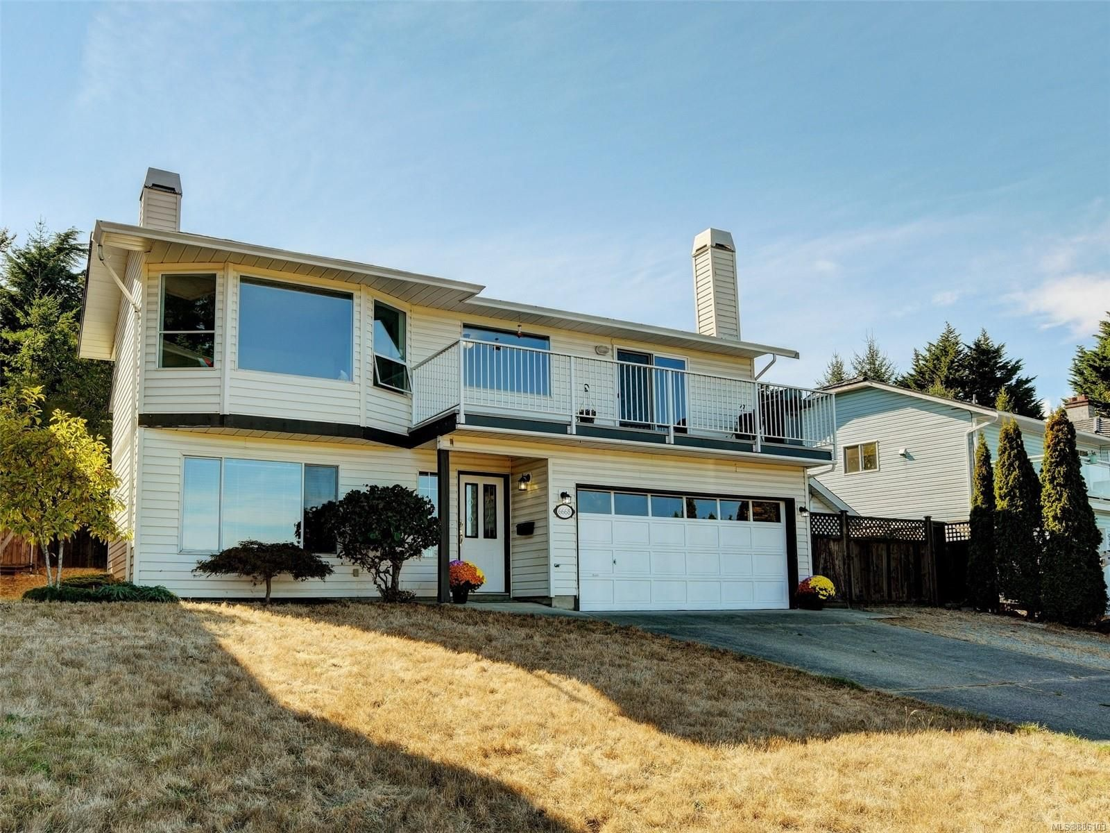 Main Photo: 6668 Rey Rd in Central Saanich: CS Tanner House for sale : MLS®# 886103