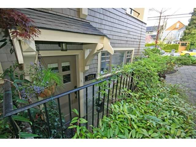 """Photo 2: Photos: 3538 W 5TH Avenue in Vancouver: Kitsilano Townhouse for sale in """"BOEUR HOUSE"""" (Vancouver West)  : MLS®# V822581"""
