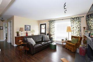Photo 3: 24819 121 Avenue in Maple Ridge: Websters Corners House for sale : MLS®# R2000375