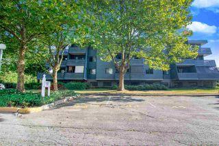 "Photo 2: 211 5906 176A Street in Surrey: Cloverdale BC Condo for sale in ""Wyndam Estates"" (Cloverdale)  : MLS®# R2496139"