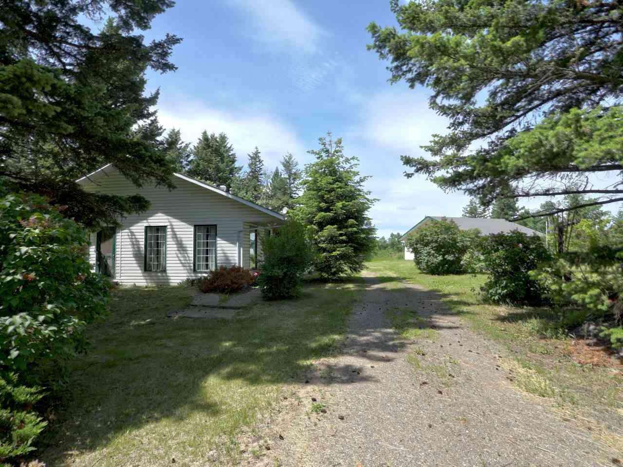 Main Photo: 4457 FIRCREST Road: Lac la Hache House for sale (100 Mile House (Zone 10))  : MLS®# R2468619