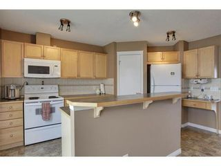 Photo 6: 463 PRESTWICK Circle SE in Calgary: 2 Storey for sale : MLS®# C3524474
