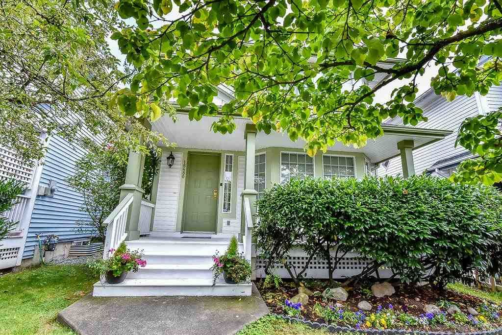 Main Photo: 18480 65 AVENUE in : Cloverdale BC House for sale : MLS®# R2090127
