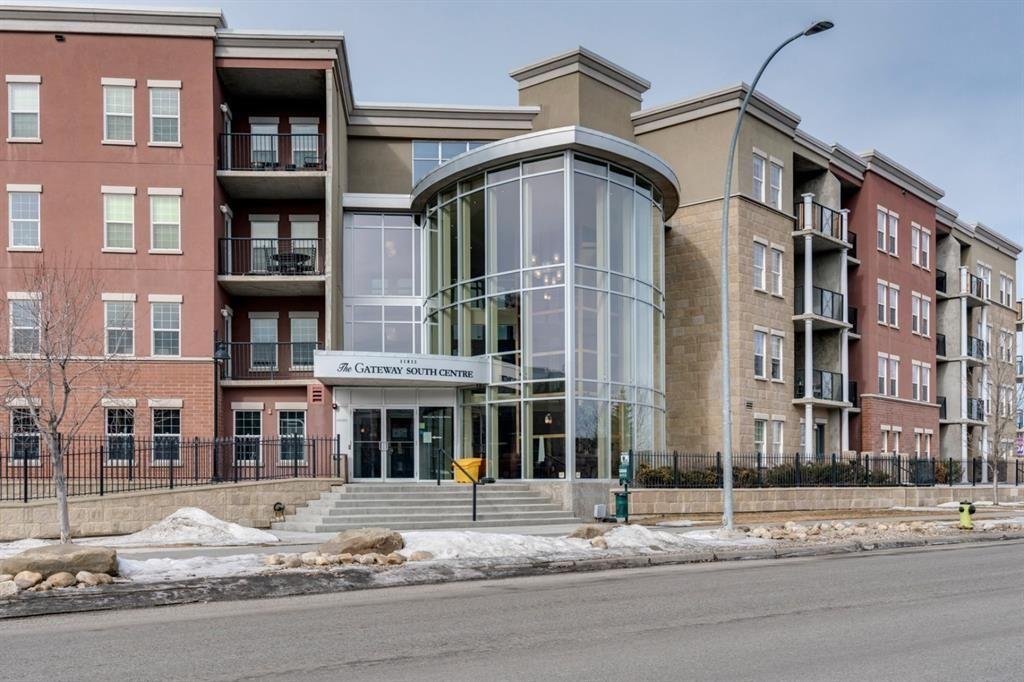 Main Photo: 2513 11811 LAKE FRASER Drive SE in Calgary: Lake Bonavista Apartment for sale : MLS®# A1077545