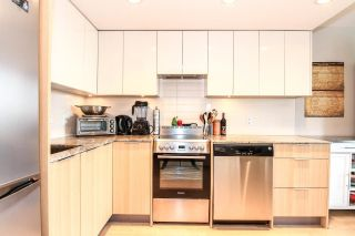 """Photo 7: 701 445 W 2ND Avenue in Vancouver: False Creek Condo for sale in """"MAYNARD'S BLOCK"""" (Vancouver West)  : MLS®# R2084964"""