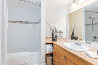 """Photo 10: 416 9867 MANCHESTER Drive in Burnaby: Cariboo Condo for sale in """"BARCLAY WOODS"""" (Burnaby North)  : MLS®# R2585423"""