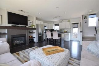 Photo 2: 39 Copperfield Bay in Winnipeg: Bridgwater Forest Residential for sale (1R)  : MLS®# 1813994